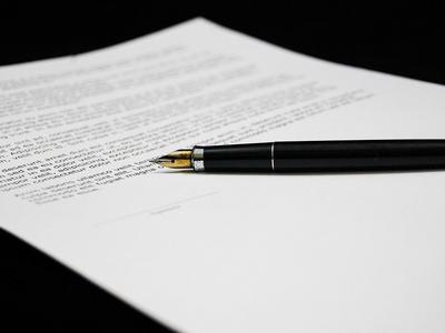 Te klauzule gwarantują, że polisa OCP realnie zabezpieczy Twoją firmę w razie kłopotów