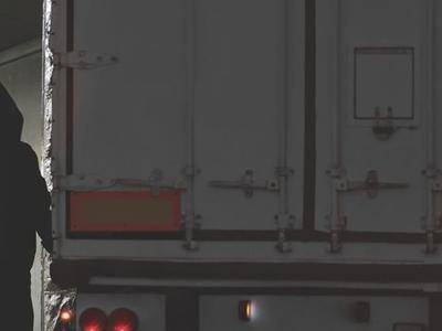 Водители грузовых автомобилей в Нидерландах подвергаются всё большей опасности. Для них полиция предоставила специальный номер для связи при чрезвычайных ситуациях