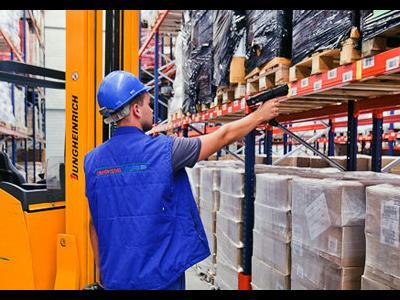 """""""Mover"""" – помощник при перевозках внутри склада, снижающий риск перекоса перевозимых грузов"""