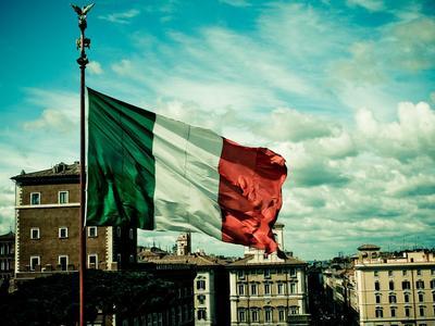 Италия: изменения, достигающие минимальной оплаты