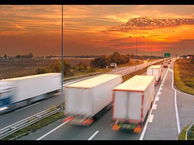 Украинским дальнобойщикам не дают разрешений на международные перевозки