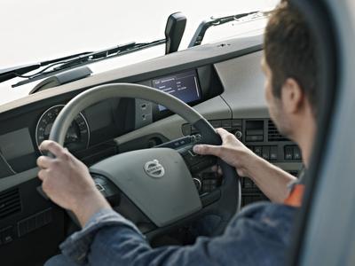 Stres za kierownicą zwiększa ryzyko wypadków. Oto, jak sobie z nim radzić