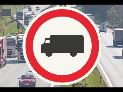 Wakacyjne zakazy w Niemczech – czy na pewno trzeba stać cały weekend? [mapa do pobrania]