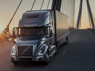 """Nowa wersja kultowego modelu Volvo VNL! Odmienione nadwozie i obszerne wnętrze, w którym """"kierowca poczuje się jak w domu"""""""