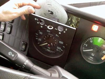 Trans.Info na żywo! Tachografy i czas pracy kierowcy – co trzeba wiedzieć?