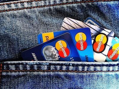 Chcesz zapłacić mandat kartą? Pamiętaj o potwierdzeniu!