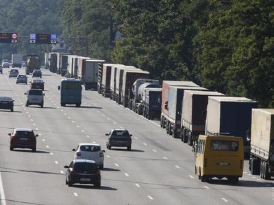 Перевозчиков оштрафовали на 38 миллионов за перегруз машин