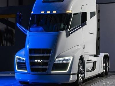 Так будет выглядеть внутри водородный грузовик Nikola One