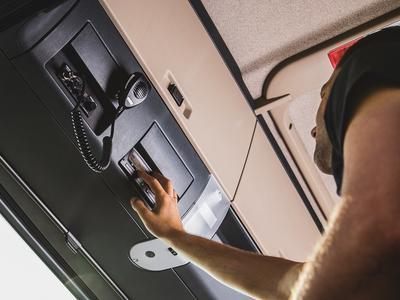 Nowe tachografy przypilnują kierowców. Koniec z manipulacjami?