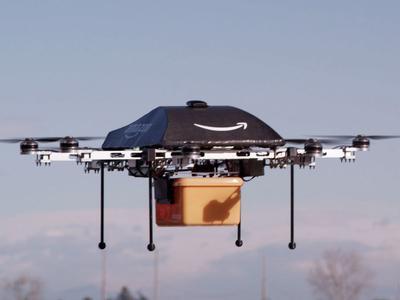 Amazon stawia na drony. Chce opatentować m.in. transport intermodalny z ich użyciem