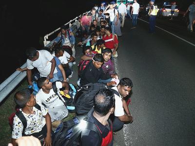 Belgia: Imigranci zaatakowali kierowców ciężarówek. Polak wśród pobitych