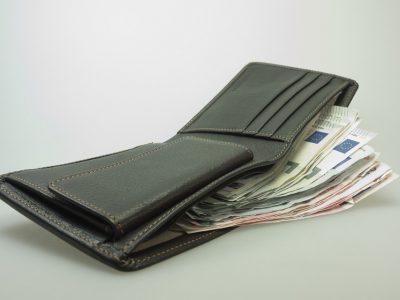 Nie tylko w portfelu więcej, czyli na co ma wpływ wysokość płacy minimalnej