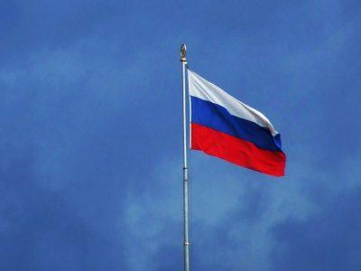 Rusija uždaro sienas užsieniečiams. Transportui netaikomi jokie ribojimai