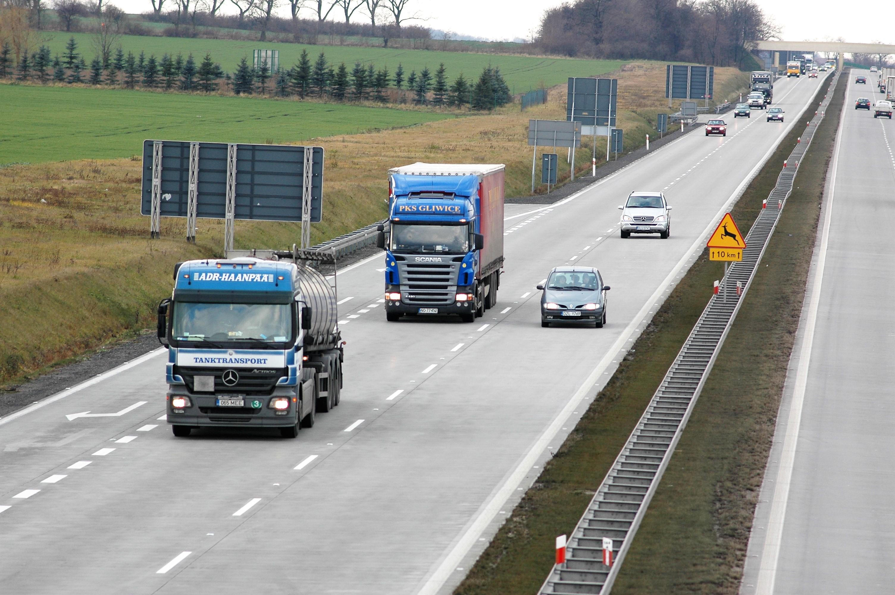 Stawki w transporcie drogowym rosły w I kwartale 2021 r. Zobacz, na których trasach najbardziej