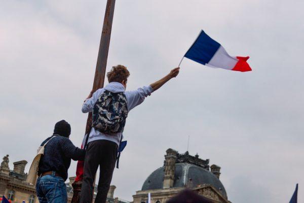Protesty we Francji przeciw podwyżkom podatków od diesla. Kierowcy mogą spodziewać się kilkuset blok