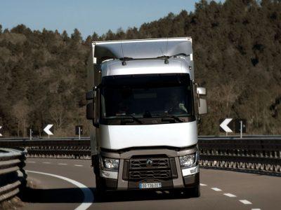 Немцы бьют тревогу! Проблема нехватки водителей ударит в снабжение