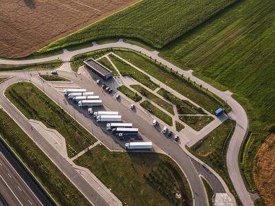 W Niemczech brakuje 31 tys. miejsc parkingowych dla ciężarówek