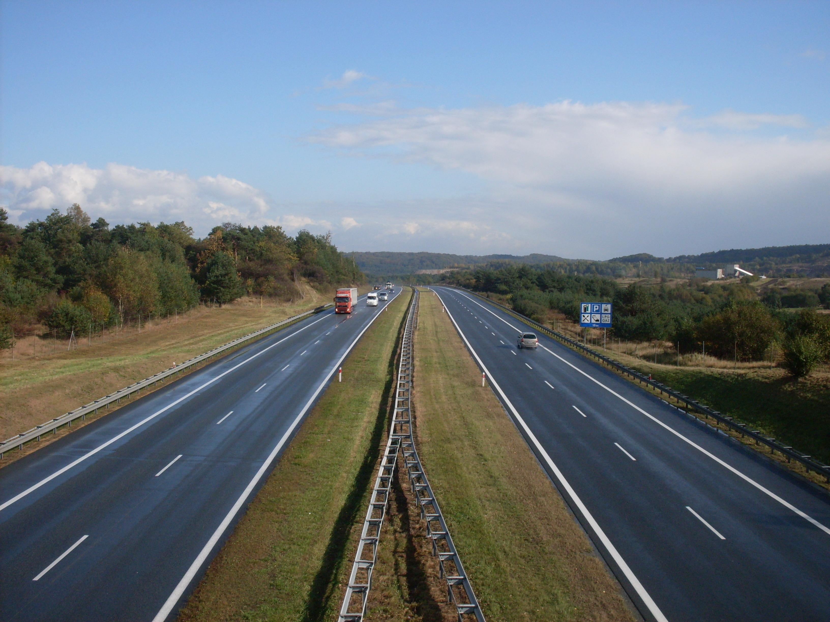 Wyprzedzanie ciężarówką na A4 może słono kosztować