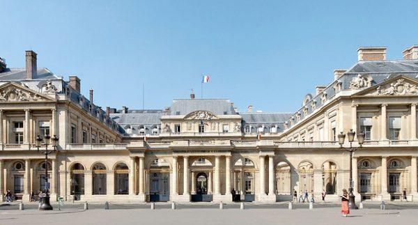 Od 2018 r. diesel we Francji będzie drożał. Rząd podniesie podatki