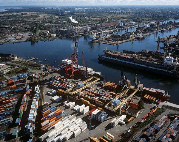 Powstanie 550 nowych miejsc parkingowych dla ciężarówek. Gdański port rozwinie infrastrukturę