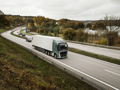 Zautomatyzowany transport drogowy może dać miliardowe oszczędności. Eksperci policzyli, ile by zyskali polscy przewoźnicy