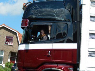Még mindig óriási az érdeklődés az ingyenes kamionsofőr képzés iránt