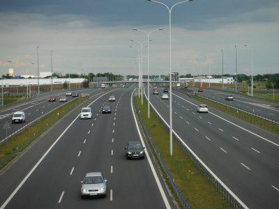 Šviesiau būti nebegali. Belgija apšvies greitkelius ir… dienomis