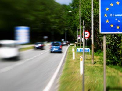 Germania și Danemarca mențin controalele amănunțite la frontiere pană în mai 2018