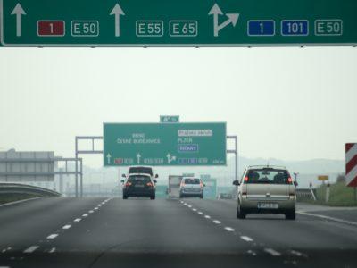 Czesi rozpoczęli kontrole zagranicznych kierowców. To skutek dyrektywy o delegowaniu
