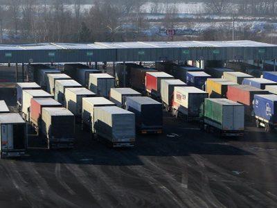 Vasaros sunkvežimių eismo draudimai Baltarusijoje. Apribojimai galioja iki rugpjūčio 31 d.