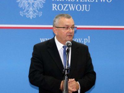 Minister o opłacie paliwowej: szukamy innego sposobu