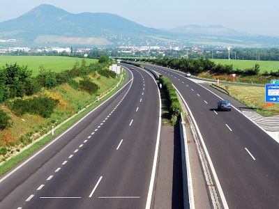 Eurostat: Doar 38% din transporturile de mărfuri din România folosesc infrastructura rutieră