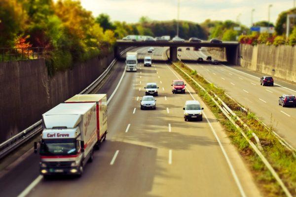 Внесены изменения в Правила перевозок грузов и в порядок взимания сбора за проезд иностранных трансп