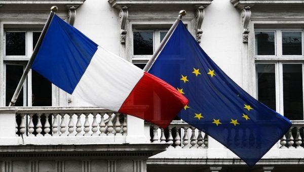 Французы увеличат количество блокировок на дорогах – с понедельника по среду протесты будут усилены