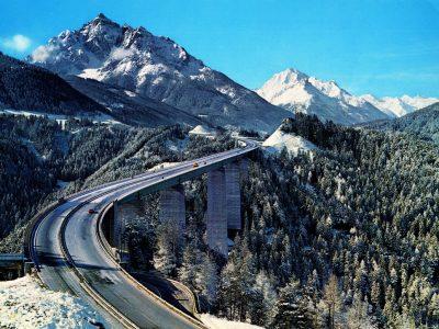 Austria vrea o restricție de acces la pasul Brenner pentru vehiculele grele