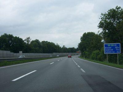Kolejne odprawy blokowe dla ciężarówek w Tyrolu