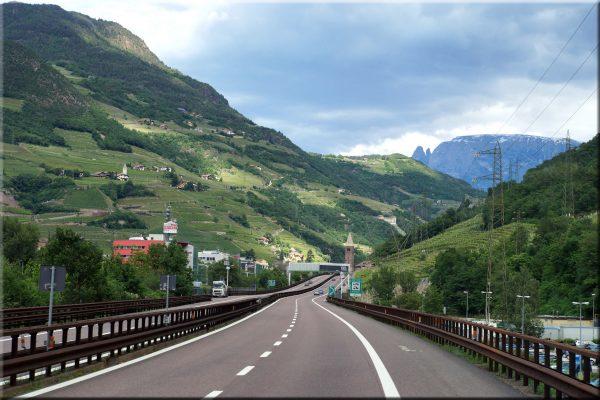 Scharfe Kritik: Tirol ist herbe enttäuscht in puncto EU-Maut für LKW und droht mit weiteren Dosierun