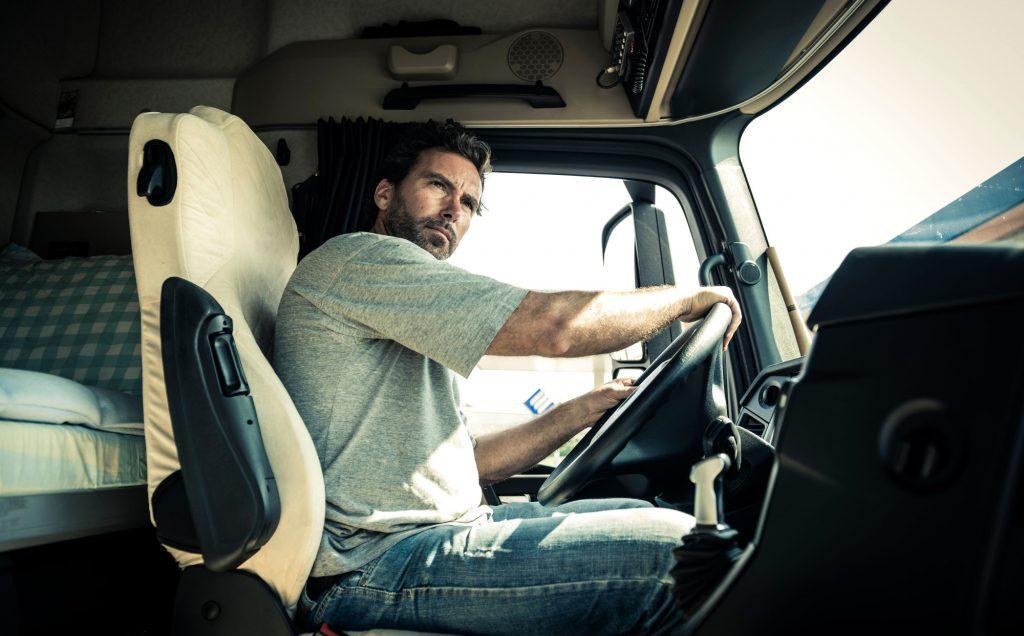 Będzie łatwiej o kierowców ciężarówek z zagranicy? Znaleźli się na liście pożądanych zawodów