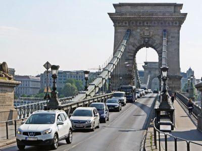 Sok az új kisteherautó a magyar utakon