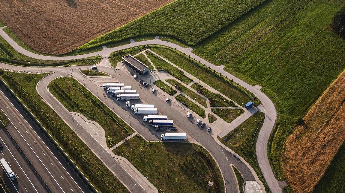 Németországban 31 ezer teherautó parkolóhely hiányzik