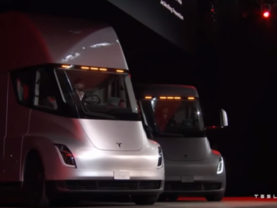 Íme Semi, a Tesla elektromos kamionja 30 perc alatt feltöltődik és 800 km-t megy