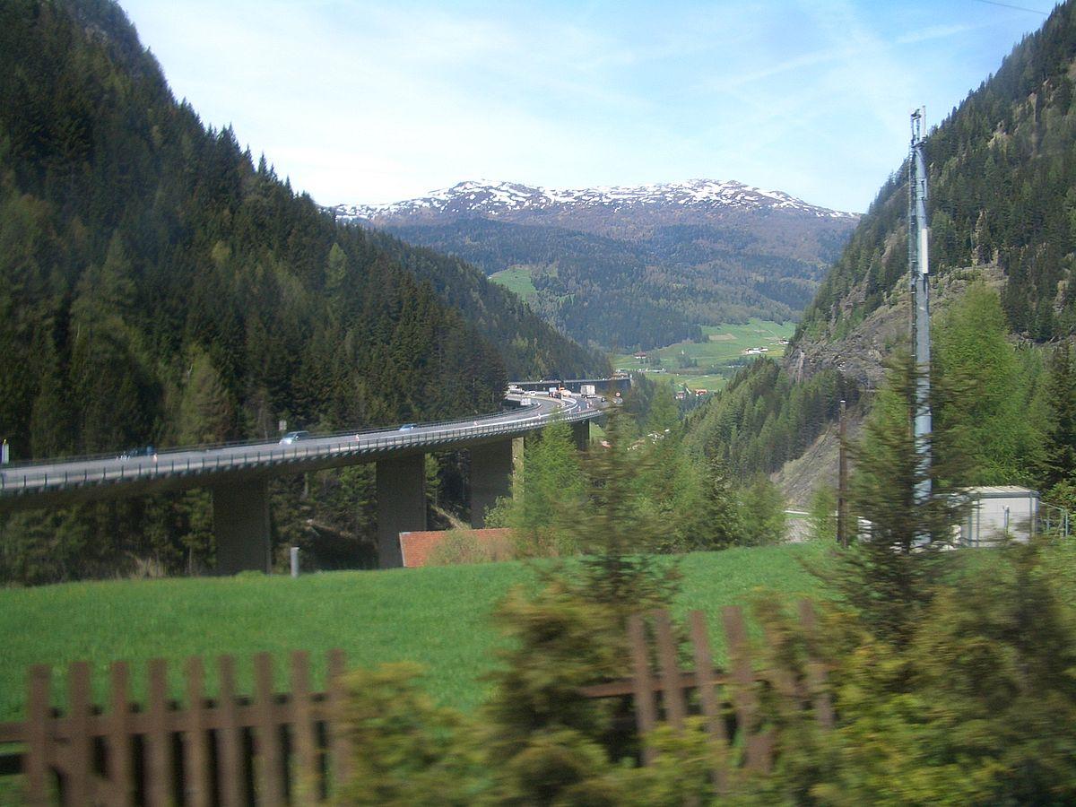 Készülnek az osztrákok a Brenner-hágónál a blokkosított forgalomkorlátozásra – Bajorország tiltakozik
