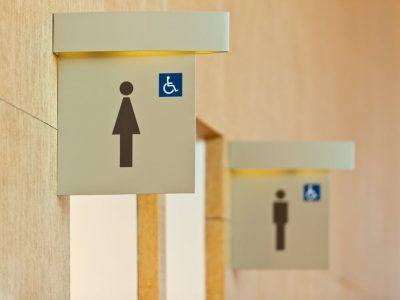"""Campania şoferilor britanici """"Truckers Toilets"""" a avut efect. Firmele trebuie să pună toalete la dispoziţia şoferilor"""