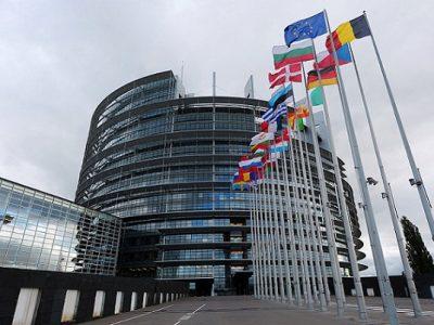 Keturiolika ES valstybių palaiko idėją netaikyti komandiravimo direktyvos transporto sektoriui