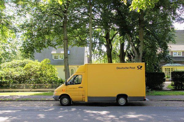 Deutsche Post podnosi ceny, bo transport jest coraz droższy