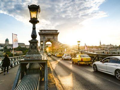 Szerdáig lezárják a Lánchidat is – budapesti forgalmi hírek