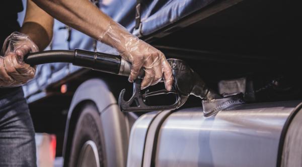 Od nowego roku na Litwie może wzrosnąć akcyza za paliwo. Zyskają polscy przedsiębiorcy