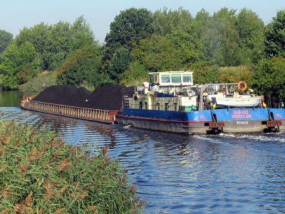 Żegluga śródlądowa w Polsce tonie. Barki transportują coraz mniej ładunków