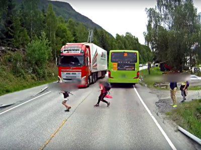 """Volvo komentuje nagranie z nagłym hamowaniem. """"Prawdziwym bohaterem jest kierowca"""""""