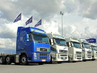 Transportatori: Întârzierea rambursării unei părți din supraaaciză duce la majorarea tarifelor cu minimum 12%